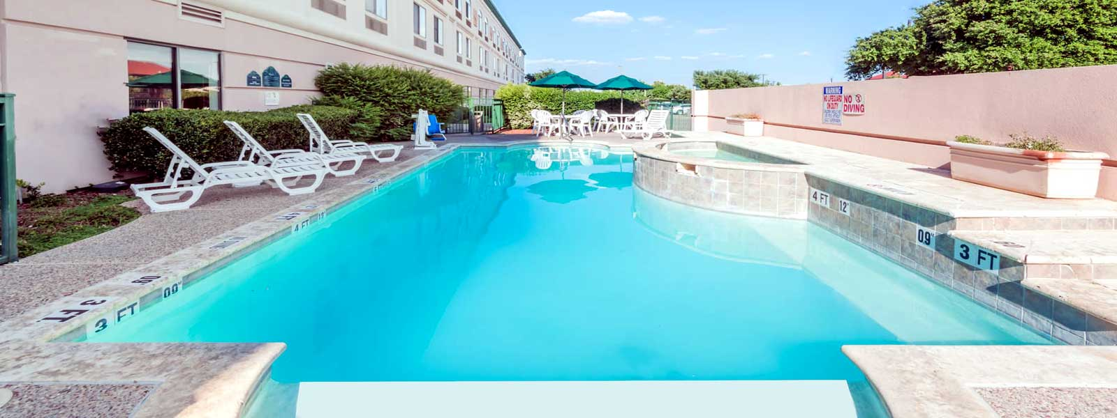 Motels in Irving Budget Discount 3 Star Rating
